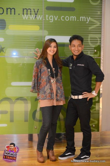 Juliana Evans and Zizan Raja Lawak at TGV Mesra Mall 2nd Anniversary