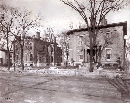W. D. Bickham residence (right), 117 W. Monument Ave.