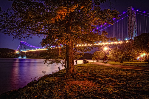 the George Washington Bridge by mudpig