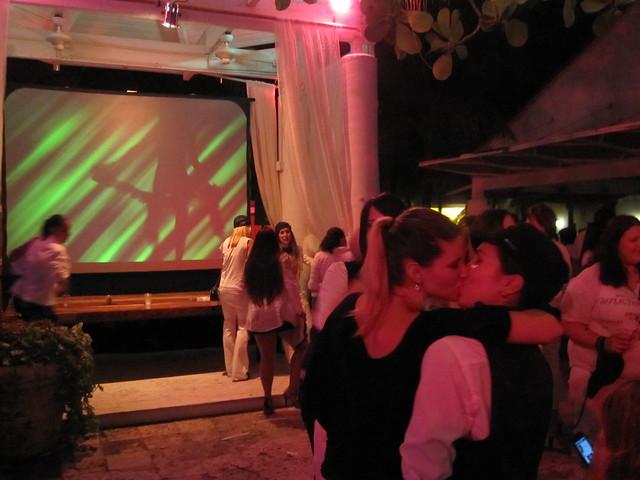 Girls Kissing at Cirque Blanc White Party at Nikki Beach Miami