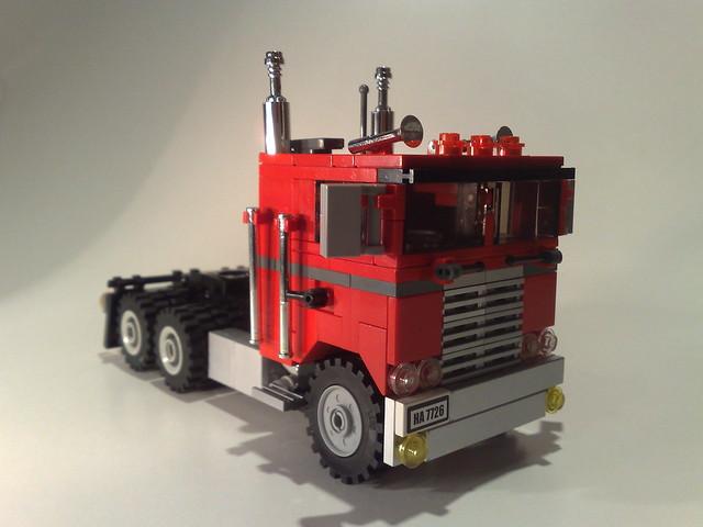 Kenworth Flat nose truck