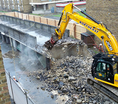 Foot bridge demolition dust and hosing (2) 14 Jan 2011