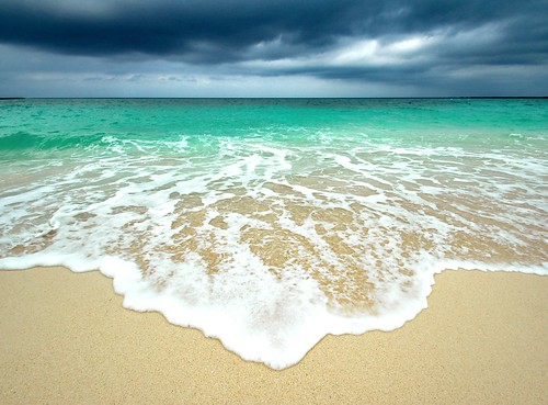 ocean sky storm beach colors clouds sand paradise waves horizon wideangle bahamas nassau explored