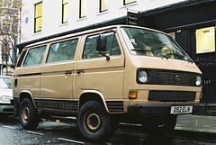 commercial vehicle(0.0), city car(0.0), microvan(0.0), bus(0.0), automobile(1.0), van(1.0), volkswagen(1.0), vehicle(1.0), minivan(1.0), minibus(1.0), volkswagen type 2 (t3)(1.0), light commercial vehicle(1.0), volkswagen type 2(1.0), land vehicle(1.0),