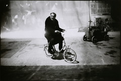 Fellini on set of Amarcord, by Mary Ellen Mark 1973