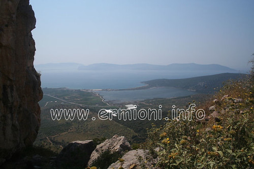 travel sea vacation sky holiday rock canon walking greek eos scenic lagoon tourist panoramic photographic architectural greece climbing coastal historical cultural hermione saltpans peloponnese argolida ermioni unspoilt thermisia