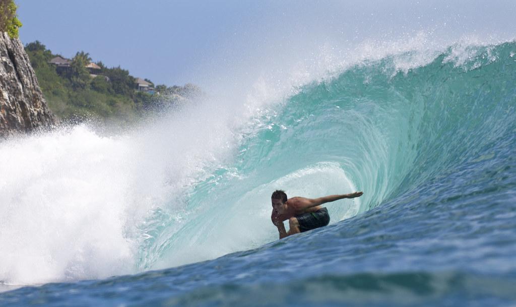 sunova-surfboards-team-rider-paul-bocquet-bert-burger-the-drifter