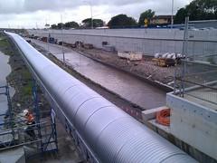 girder bridge(0.0), public transport(0.0), pipeline transport(1.0), transport(1.0), waterway(1.0),