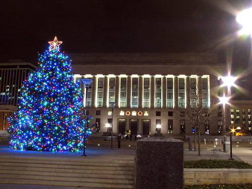 Nashville's 2010 Christmas Tree & Courthouse