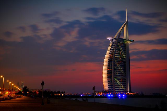 Burj al-Arab lit