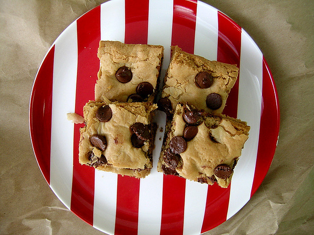 Peanut Butter Chocolate Chip Blondies | I'm on a peanut butt ...