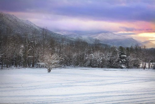 tennessee sunsets cadescove appalachianmountains wintersunsets smokeymountainsgreatsmokeymountainsnationalpark winterincadescovetennessee