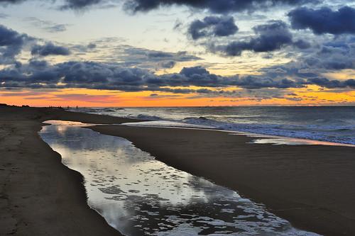 sea storm clouds sand nikon tidalpool seafoam easthampton mainbeach 50mm18d d700 11937 104oceanavenue