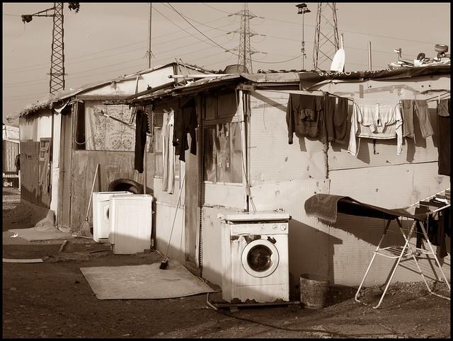 Campo nomadi ROM, via Triboniano, Milano, periferia Nord-Ovest