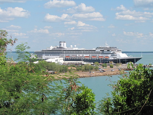 Cruise Ship Amsterdam at Darwin's Fort Hill Wharf in November 2010 by kenhodge13