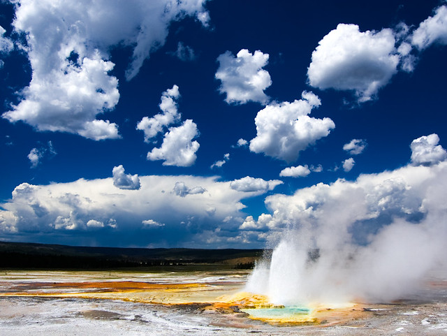 6 Highlights of Yellowstone National Park!