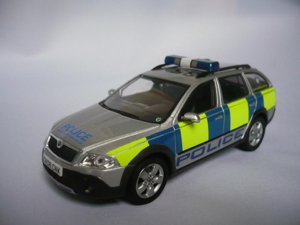 1 43 code 3 skoda octavia scout cambridgeshire police. Black Bedroom Furniture Sets. Home Design Ideas