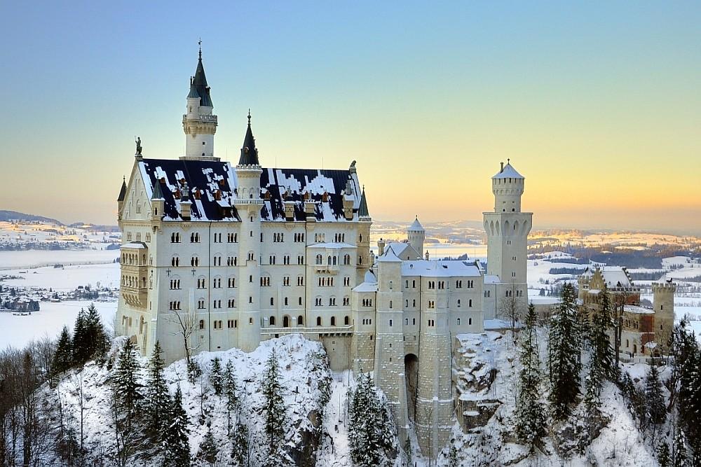 Zu Besuch von Schloss Neuschwanstein im Winter (Blick von der Marienbrücke)