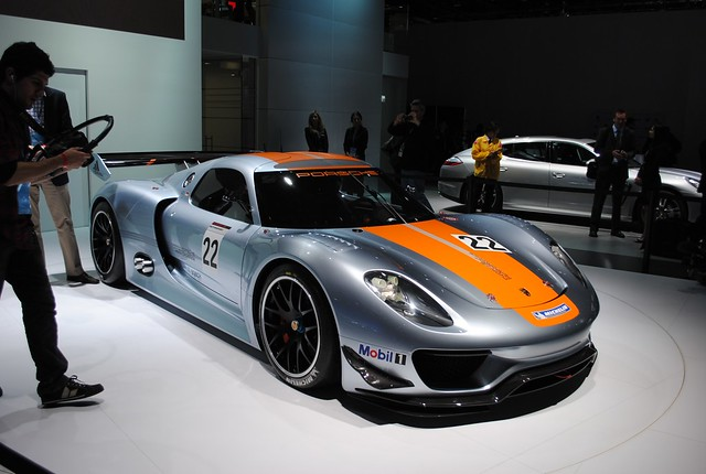 2011 Detroit: Porsche 911 RSR