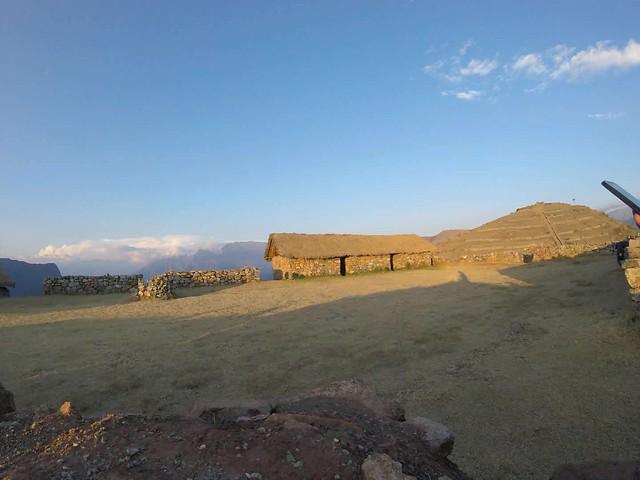 Camp bei den Ruinen von Sondor