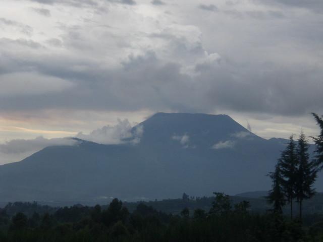 On the way to Gisenyi: Majectic Nyiragongo