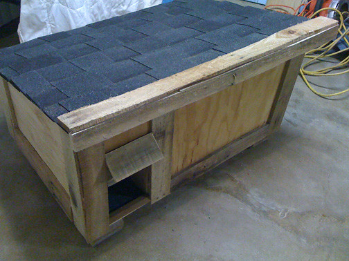 Make Insulated Cat Shelter Sans Straw