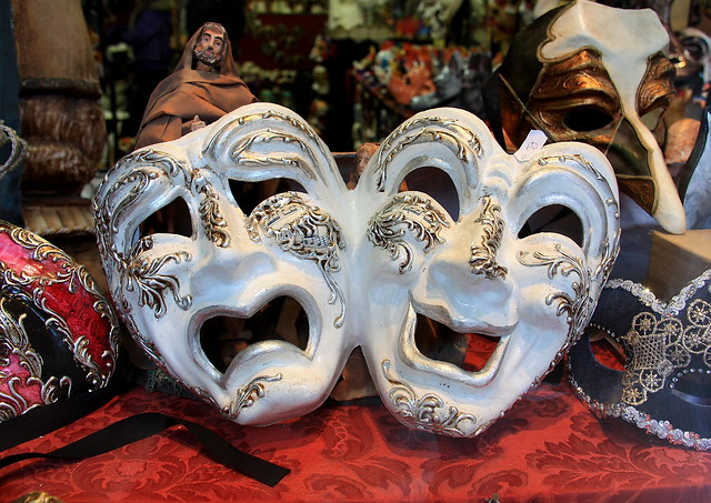 Mask Shopping in Venice