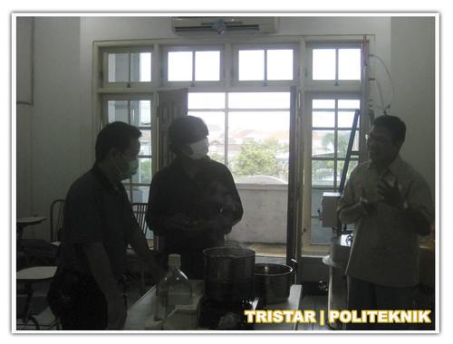 Peliatihan Pelapisan Logam - Verkroom - Silvering Spray - Anodizing - Braasplating. info: 031-8480823.