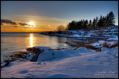 park autumn sunset sea sun mer snow canada fall nature automne river landscape soleil twilight exterior calm québec neige 300 stlaurent paysage 93 crépuscule parc saintlaurent hdr bsl calme coucherdesoleil cabane fleuve stlawrenceriver rivièreduloup 7000 fleuvesaintlaurent 372 bassaintlaurent 7204 basstlaurent cacouna hdrtonemapped lafontaineclaire