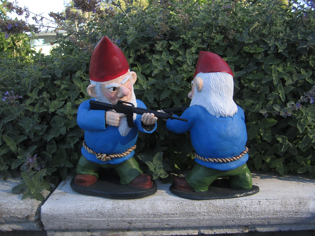 Combat garden gnomes 027 flickr photo sharing for Combat gnomes for sale