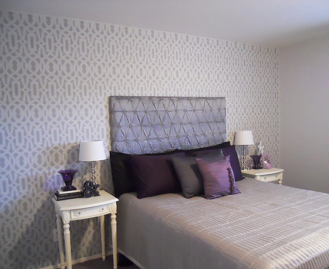 trellis pattern stencil on bedroom accent wall beautiful