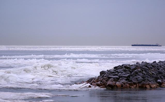ijs markermeer in de ochtend