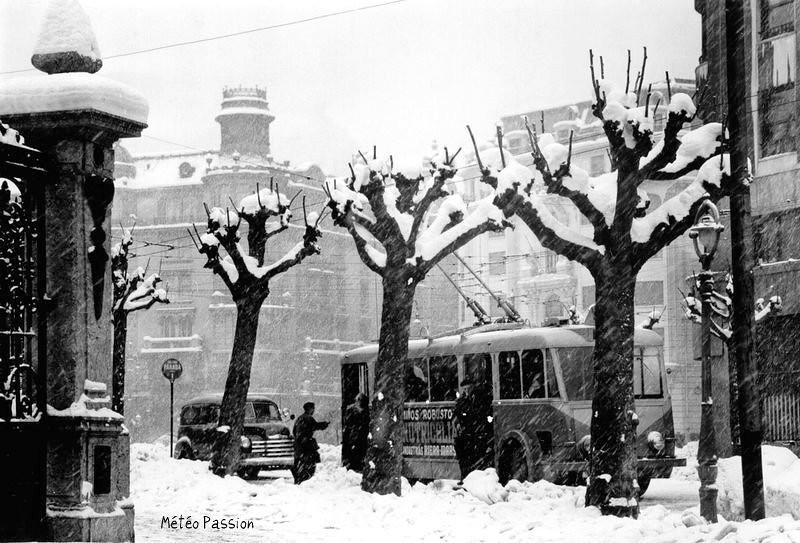 forte chute de neige à Bilbao en Espagne début février 1954
