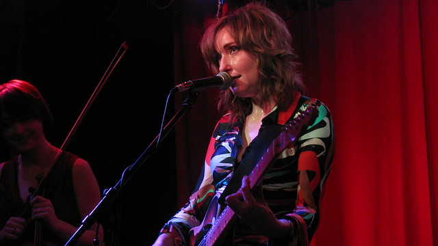 Viv Albertine/She Makes War/Djevara