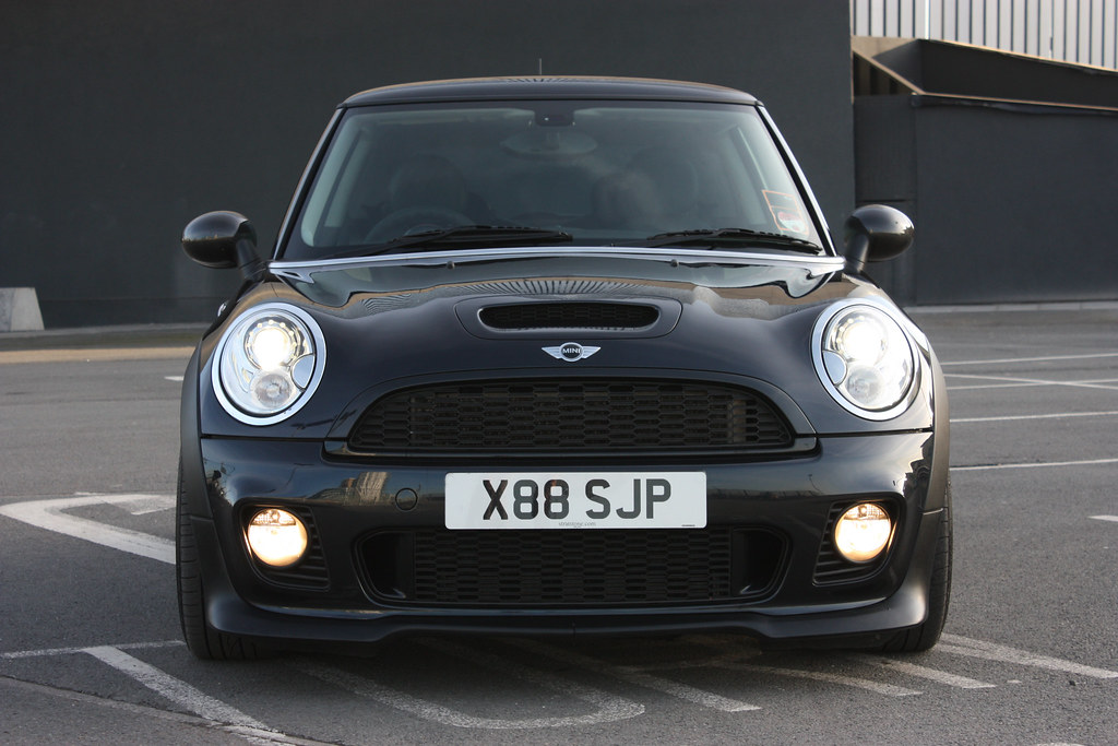black r56 mini cooper s with jcw bodykit photoshoot mini cooper forum. Black Bedroom Furniture Sets. Home Design Ideas