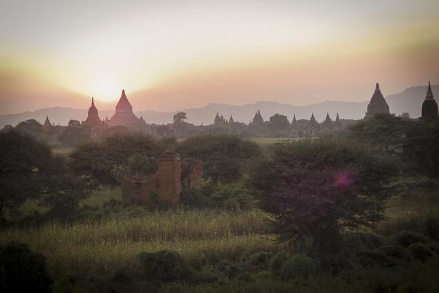 A Bagan, Myanmar Sunset by flickr user soelin