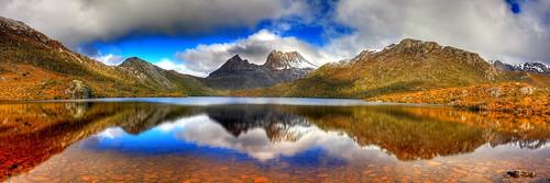 dove lake and cradle mntn tasmania