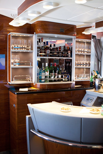 Emirates A380, Upper deck, Business Class
