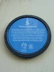 Photo of Thomas Pettus and John Pettus blue plaque