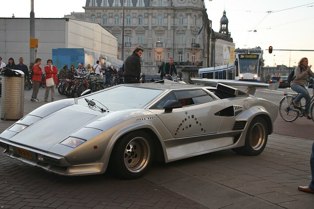 lamborghini countach replica complete with bullet hole. Black Bedroom Furniture Sets. Home Design Ideas