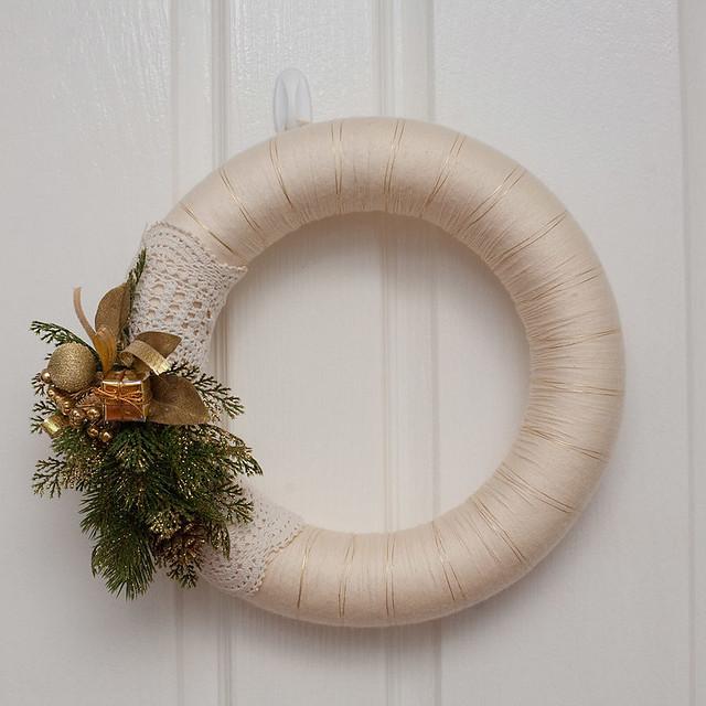 Yarn Wreath | Flickr - Photo Sharing!