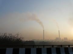 印讀德里近郊的空氣污染(brent granby攝)