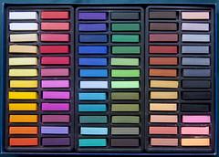 human body(0.0), eye(0.0), organ(0.0), purple(1.0), azure(1.0), eye shadow(1.0), pink(1.0),