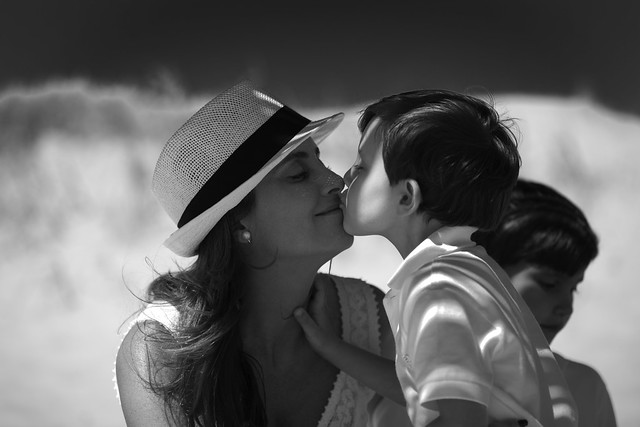 Photo:Kiss - mom and his son... | 110112-9366-jikatu By:jikatu