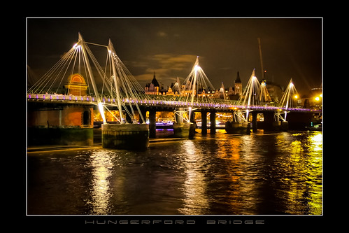 London: Hungerford Bridge  (FLickr EXPLORE 2011/01/19)