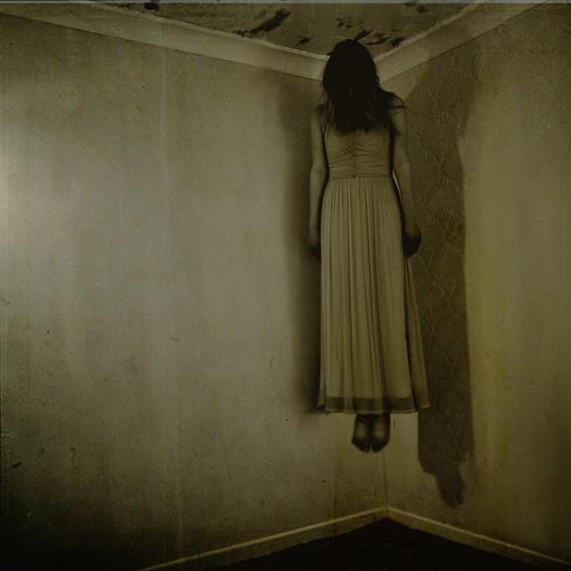 levitating girl wallpaper - photo #42
