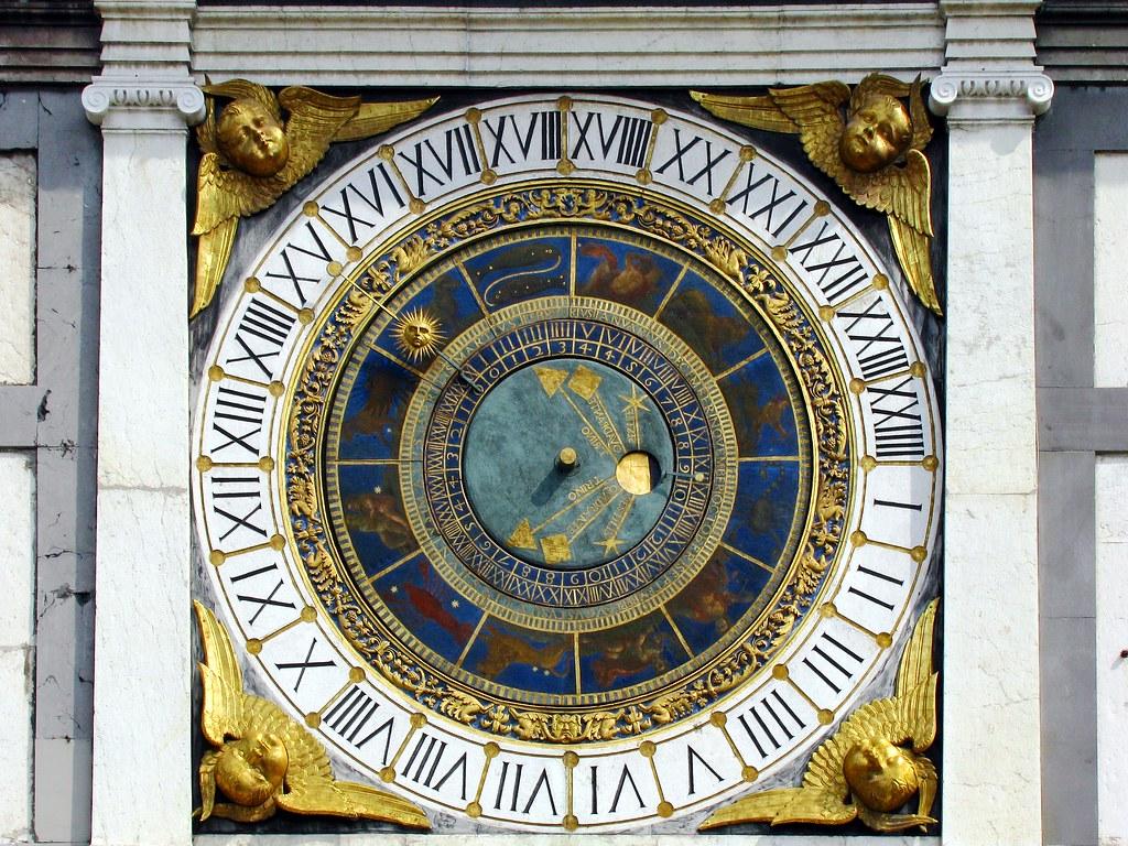Brescia (Lombardia) – L'orologio astronomico della torre di piazza della Loggia