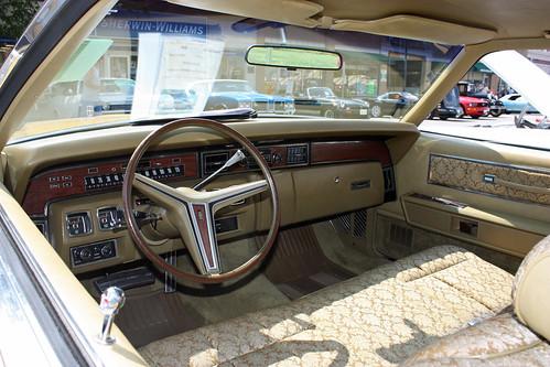 lincoln town car photo