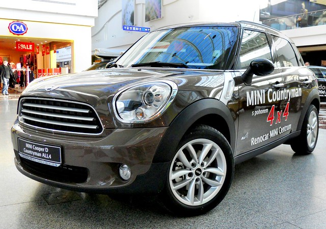 mini cooper d 4x4 countryman explore the adventurous eye. Black Bedroom Furniture Sets. Home Design Ideas