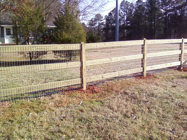Three Rail Fence With Wire